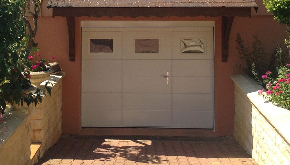 Fermetures portes de garage portails volets stores moustiquaires - Portes de garage motorisees ...